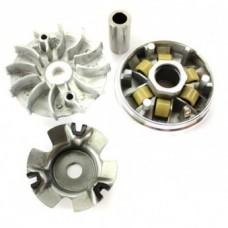 Вариатор для скутеров с двигателем 152QMI/157QMJ 125/150сс в сборе (ролики, наружный шкив, палец)